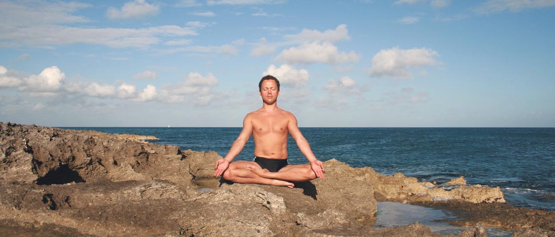 Meditation im Schneidersitz